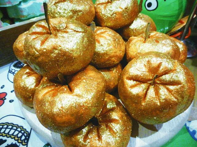 Sparkly Pumpkin Lush Cosmetics