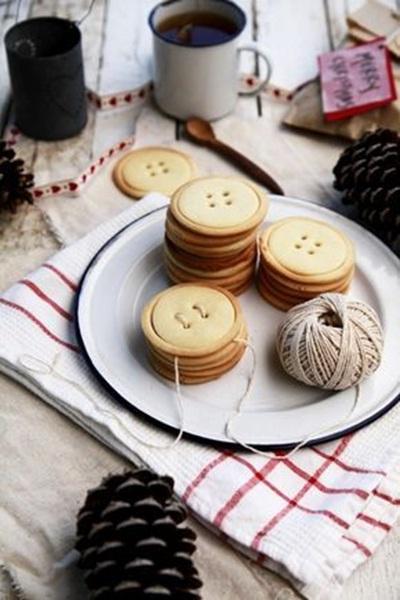 Shortbread Button Cookies. Kue kancing yang terbuat dari adonan shortbread.