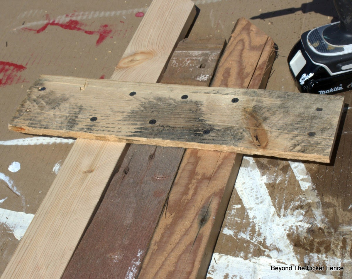 reclaimed wood, Easter, cross, build it, spring craft, beyond the picket fence, http://bec4-beyondthepicketfence.blogspot.com/2015/04/the-old-rugged-cross.html