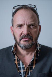 Aaron James. Director of 40 Below and Falling