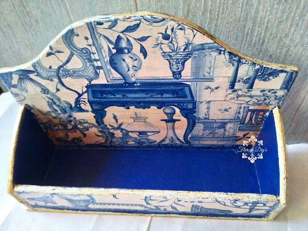 portacartas-con-decoupage-y-fondo-azul-flor-de-diys
