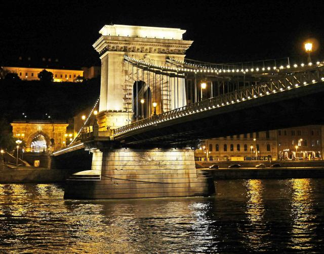 ponte-delle-catene-budapest-poracci-in-viaggio