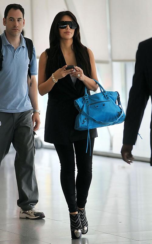 lovebbags.com  Kim Kardashian s Blue Paon Classic City 248f8050924df