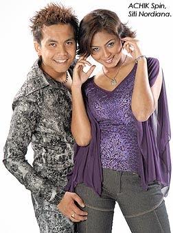 Achik feat. Siti Nordiana - Gurauan Berkasih MP3