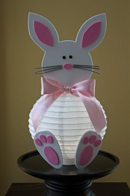 http://hatterandhareevents.blogspot.de/2011/03/easter-bunny-lantern.html