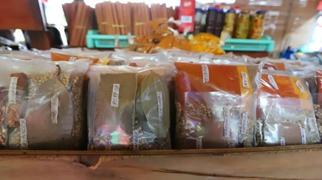 Gewürzmarkt Victoria (C) JUREBU