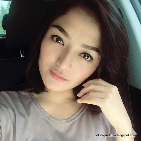 Siti Badriah - instagram 2016