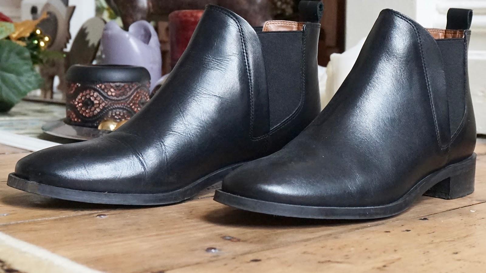 Wardrobe Staples | Chelsea Boots
