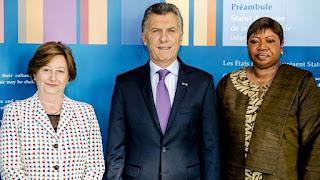 El Presidente continúa su actividad oficial en el país europeo y mantuvo en encuentro con la presidenta del tribunal, la jueza argentina Silvia Fernández de Gurmendi