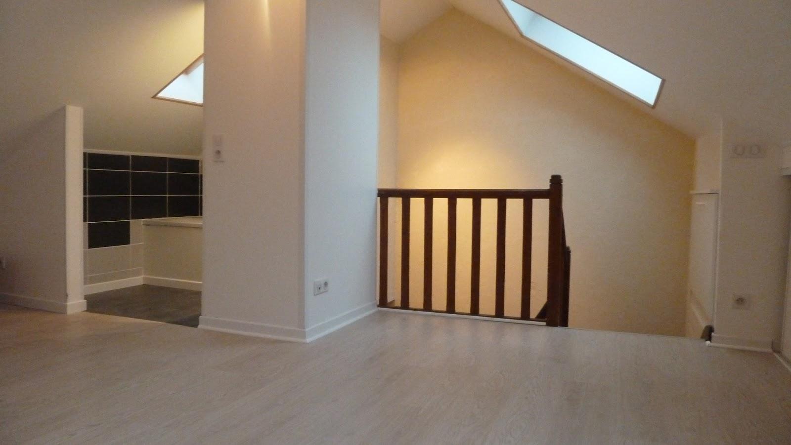 maison vendre chambre 3 avec salle de bain combles. Black Bedroom Furniture Sets. Home Design Ideas