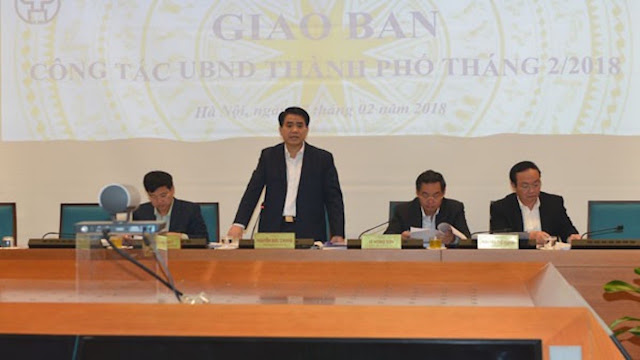 Chủ tịch TP Hà Nội Nguyễn Đức Chung tại cuộc họp