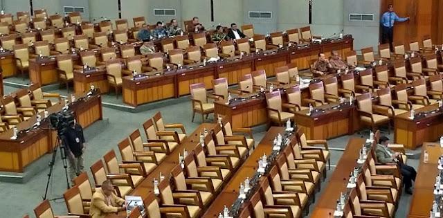 Reses Dipercepat, Hampir 50 Persen Anggota DPR Tidak Hadiri Raripurna
