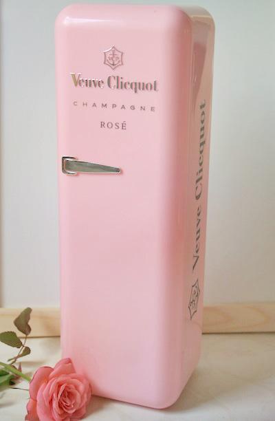 let 39 s be creative mein kleiner rosa k hlschrank my little pink fridge. Black Bedroom Furniture Sets. Home Design Ideas