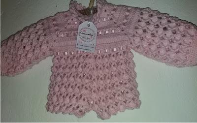Blusinha de crochê para bebezinho