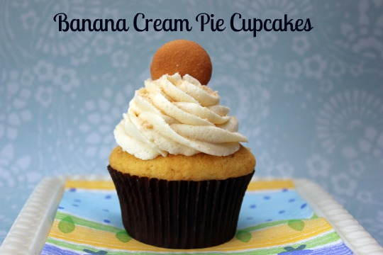 Banana Cream Pie Cupcakes with buttercream frosting