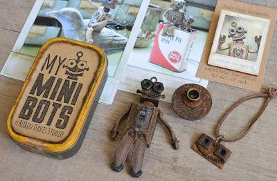 Miniature Retro Robots made by Robin Davis Studio - Etsy