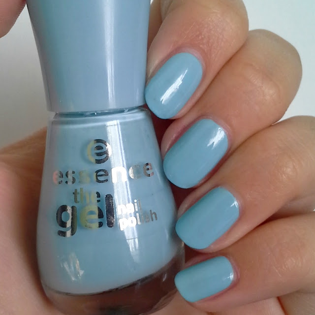 Essence  The Gel Nail Polish (Review and Swatches) 39 blue bubble di blue