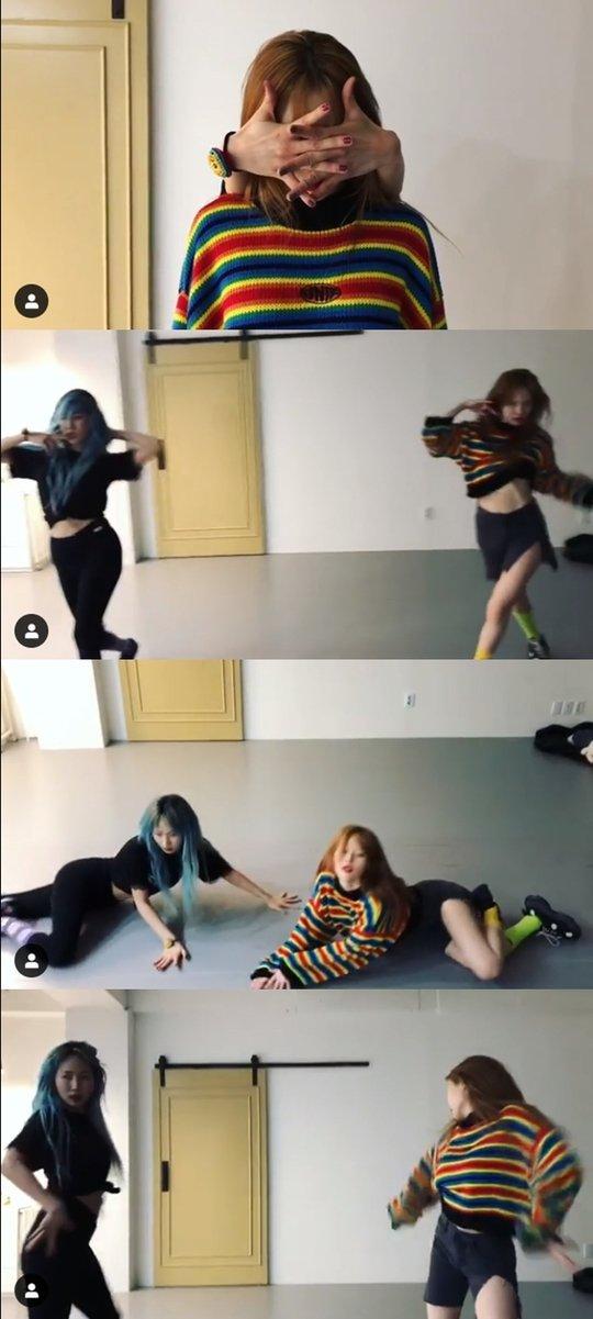 Yeeun ve Hyuna birlikte dans çalışması yaparak eski WG günlerini andı