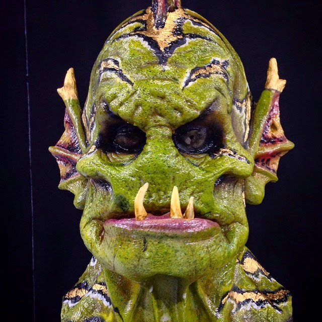 17-Ocean-Parks-Halloween-Swamp Monster-Nix-Herrera-From-Face-Off-to-Intricate-Body-Painting-www-designstack-co