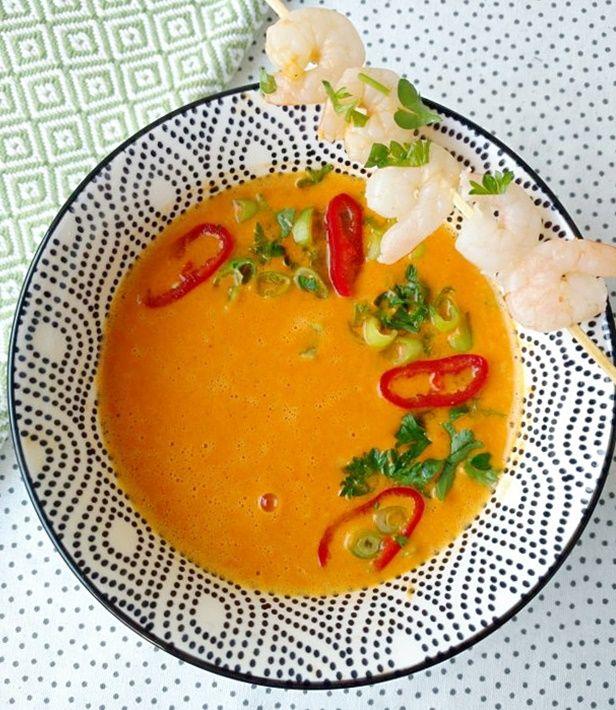 Zupa z pieczonej papryki z krewetkami