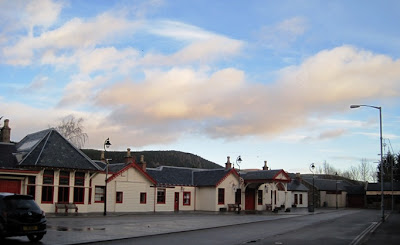 Deeside walks: start of the walk Ballater railway station