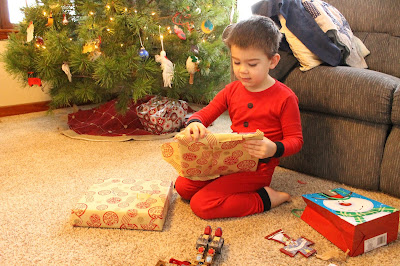 3 Simple Ways to Celebrate Jesus at Christmas - Give your child three gifts