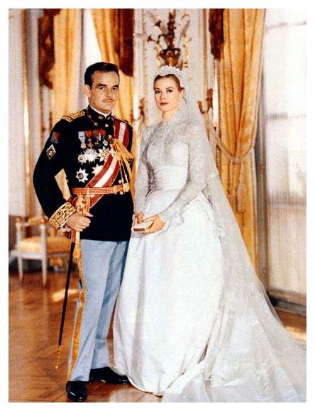 Queen Rania  Tznius gowns  Queen rania Beautiful