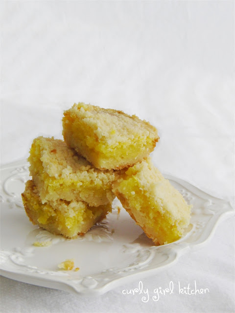 Lemon Bars with Crumb Topping