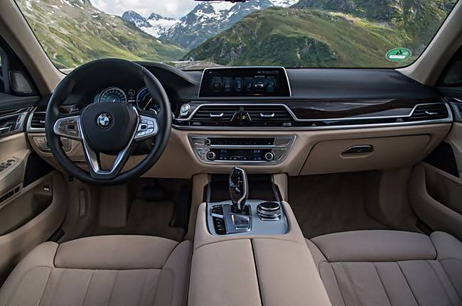 2017 BMW 740e xDrive Sedan Review