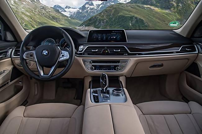 2017 BMW 740e xDrive Sedan Review