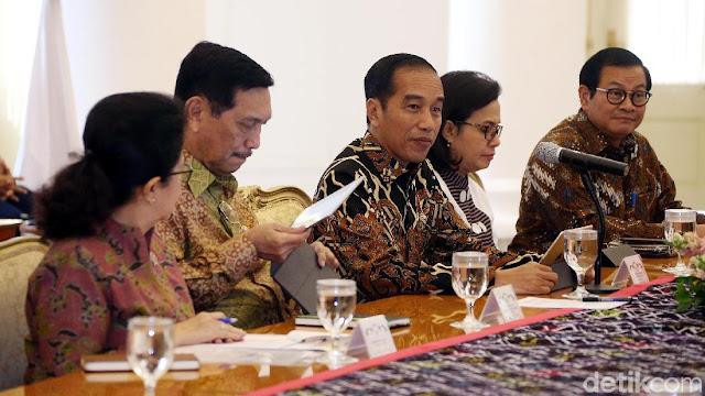 Ekonomi Stagnan, RR: Jokowi Salah Pilih Menteri; Kampanye Trisakti, yang Dipilih Menteri Neolib