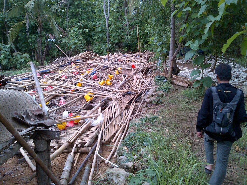 Cara Membuat Pagar Kandang Ayam Dari Bambu - Pagar Rumah