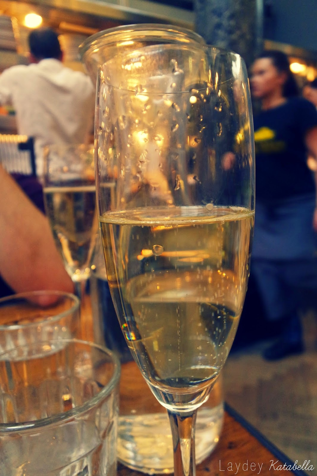 photo of prosecco in jamie's italian