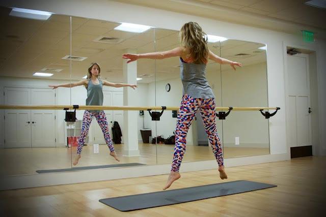 lululemon yogi-racerback capoeira