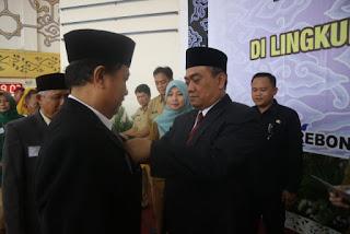 482 ASN  Dilingkungan Pemerintah Kota Cirebon Menerima Penghargaan Satya lencana Karya satya Presiden 2018
