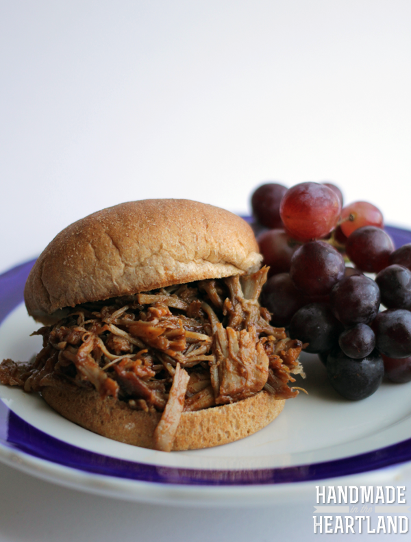 The easiest recipe for pulled pork in the slow cooker or instant pot