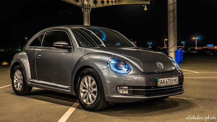 gray 2013 vw beetle