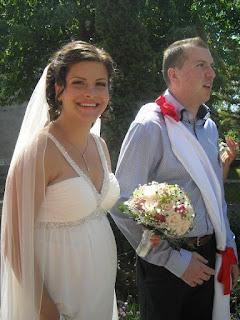 viszik  a lányt  a menyasszony és  vőfény   elhagyja  a házat