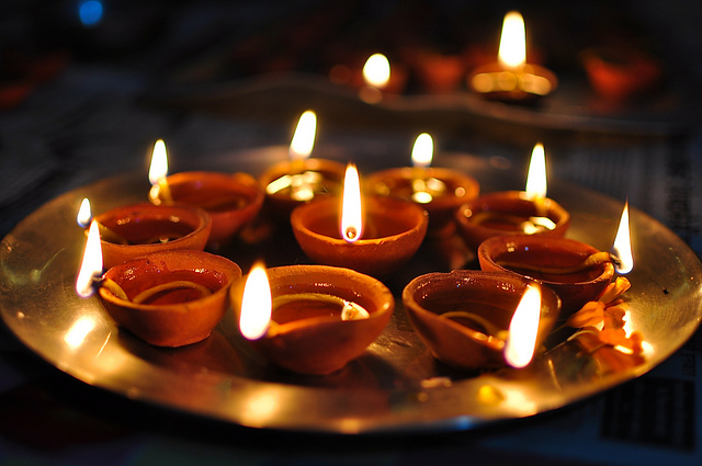 Image result for दीपावली पर तेल का दीपक