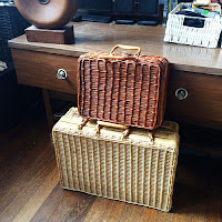 vintage picnic baskets, vintage wicker baskets