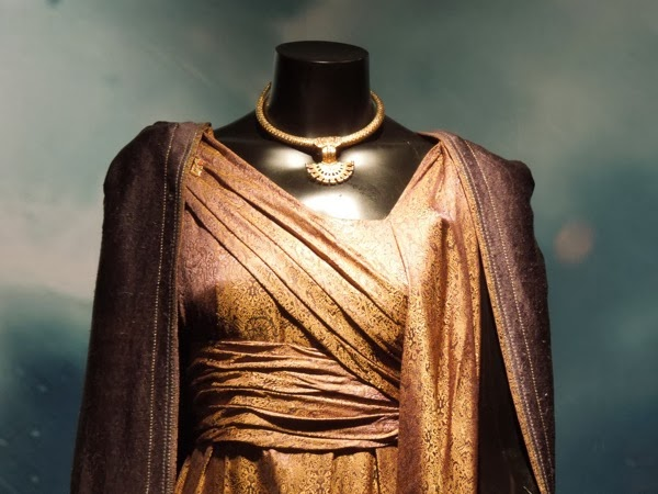 Jane Foster costume necklace Thor Dark World