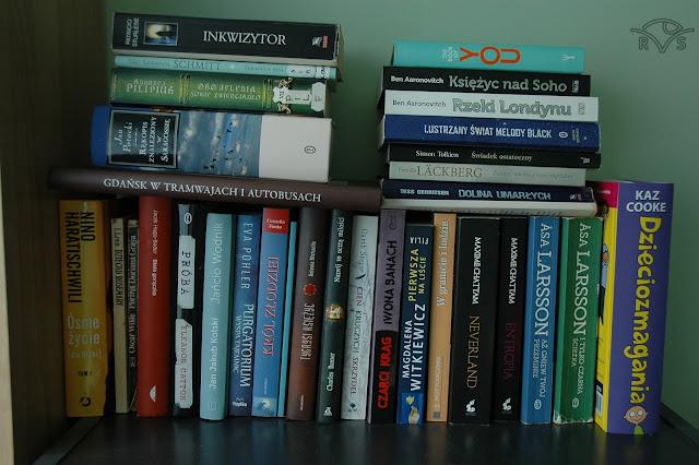 jaką kupić książkę pod choinkę prezent dla mola książkowego reportaż pod choinkę