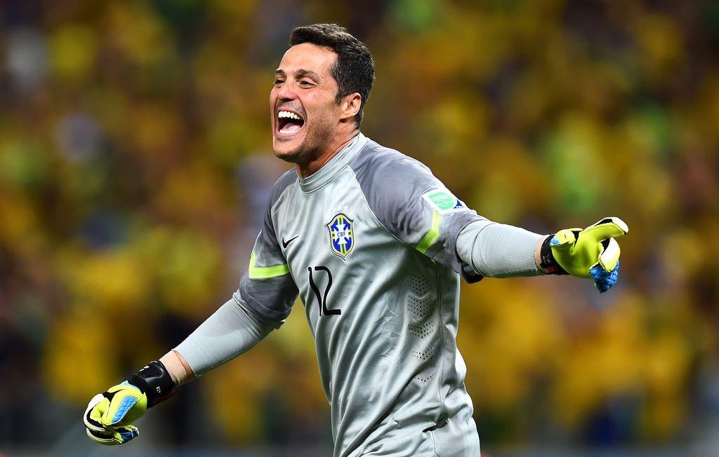 Flamengo abre negociações com o goleiro Júlio César ...