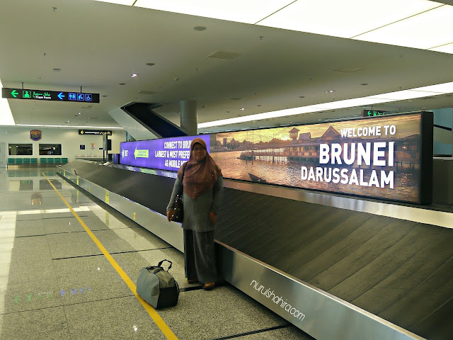 Travelogue 4H3M Brunei | Brunei Internet Visitor Plan, Bas Awam Brunei & LeGallery Suites Hotel
