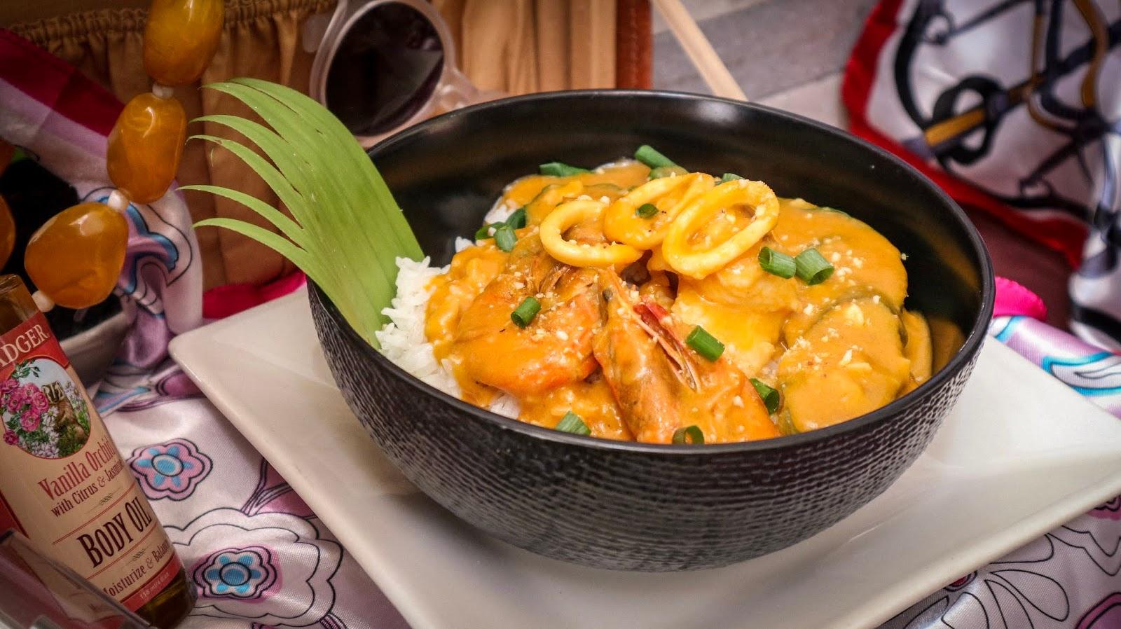 Max's Restaurant Seafood Kare-Kare Rice Bowls
