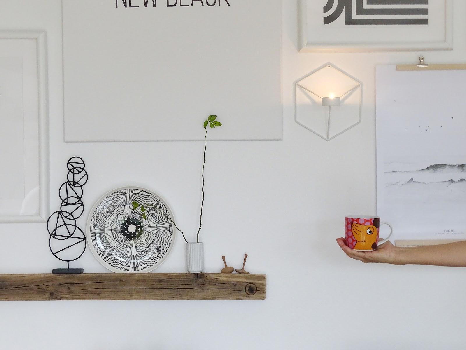 Mit Bilderleisten Wände dekorieren - Fotoaktion #12von12 - https://mammilade.blogspot.de