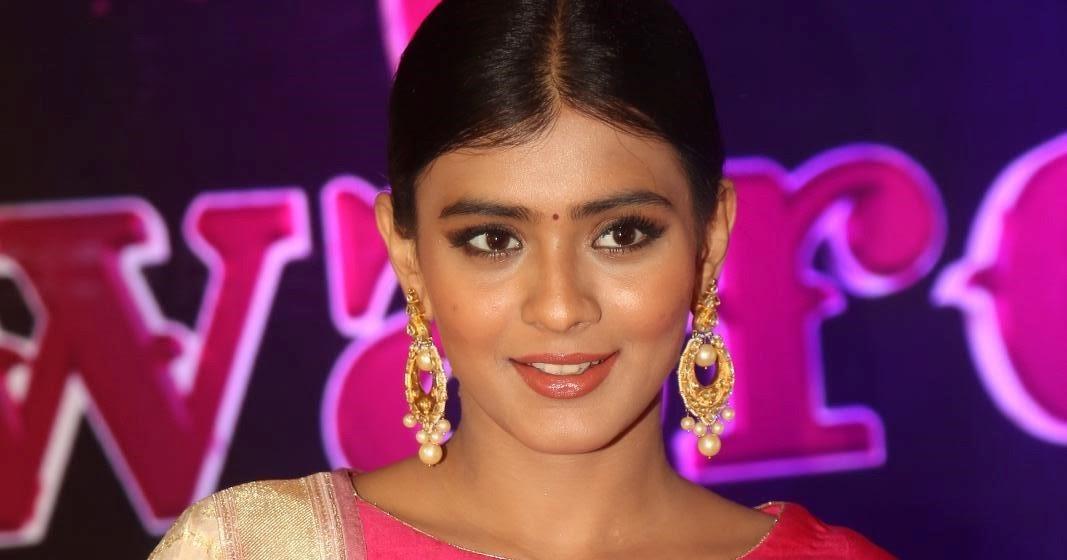 Suchitra Murali: Hebah Patel At Apsara Awards 2016