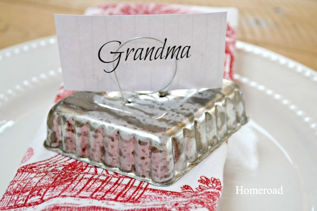 tin tart place card holders with tags