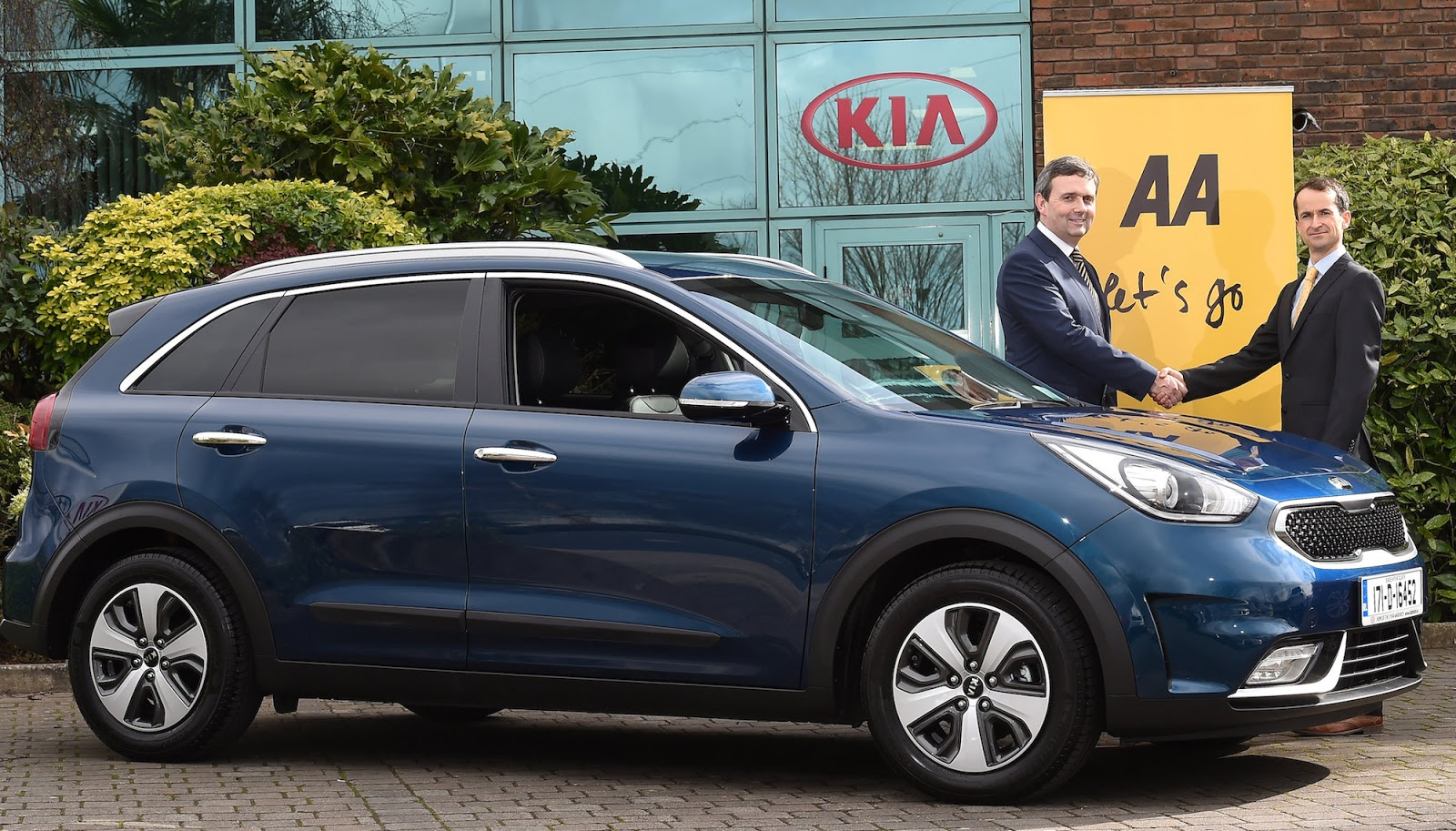 Irish Car Travel Magazine Aa Ireland And Kia Partner For Hybrid Care