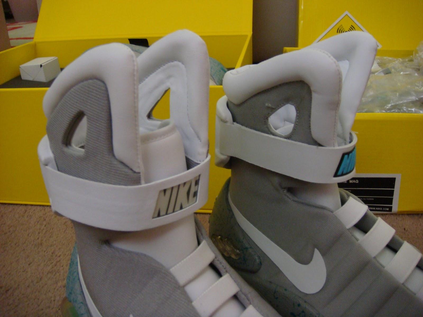 46640e5b79f awildermode: Nike Air MAG vs Knockoff
